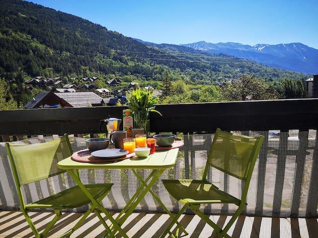 Studio + terrasse pied de pistes à Serre-Chevalier