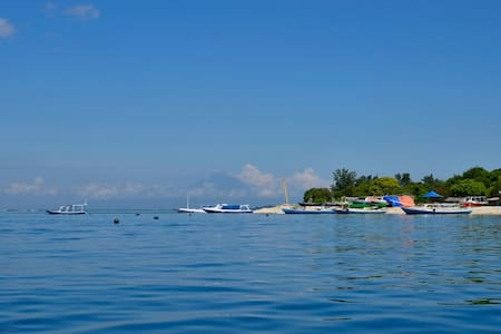 Gili Guest House (2 double bed F2) - pemenang