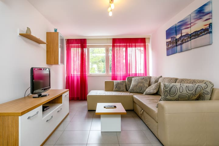 Ivica Apartment 2 in Center Split