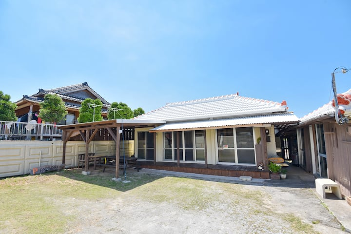 Okinawa vintage house renovated! Whole private!