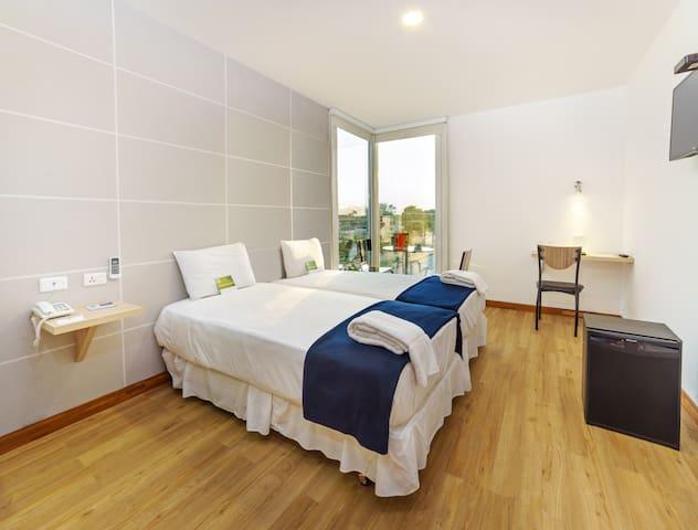 Equipetrol Room NB in 3 stars Hotel