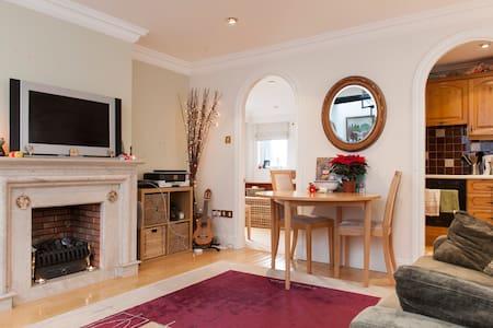1-Bedroom Penthouse near Dublin - Dun Laoghaire