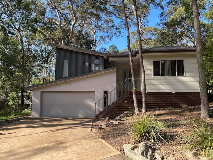 Lakeside living near Wallarah National Forest