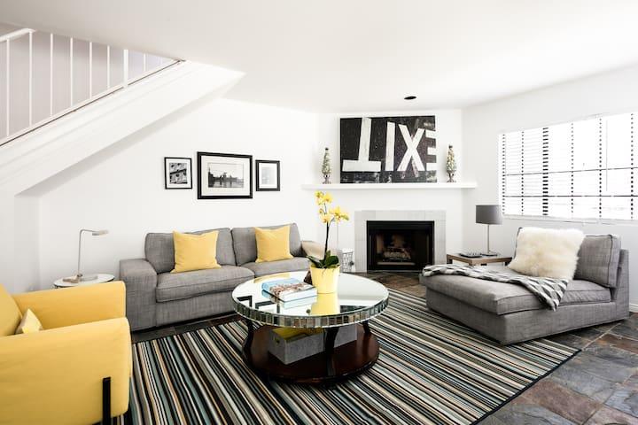 Beautiful furnishings and art