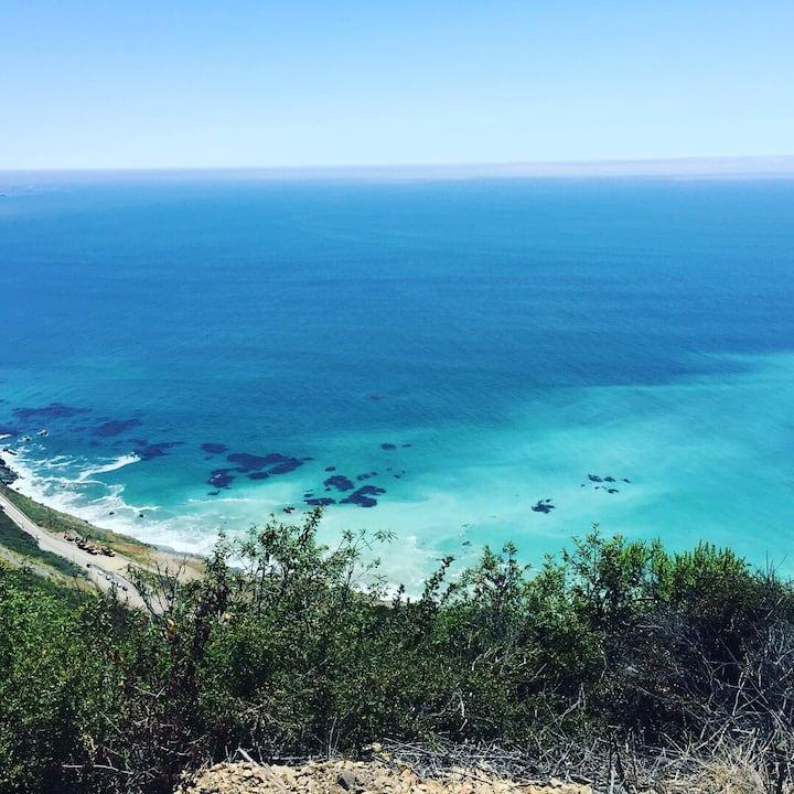 Panoramic Views of Monterey Bay: 3b 2 bath, HotTub
