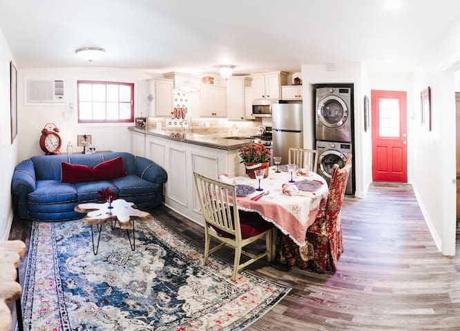 Glendale's Hillside Cottage- Hollwood/Burbank adj