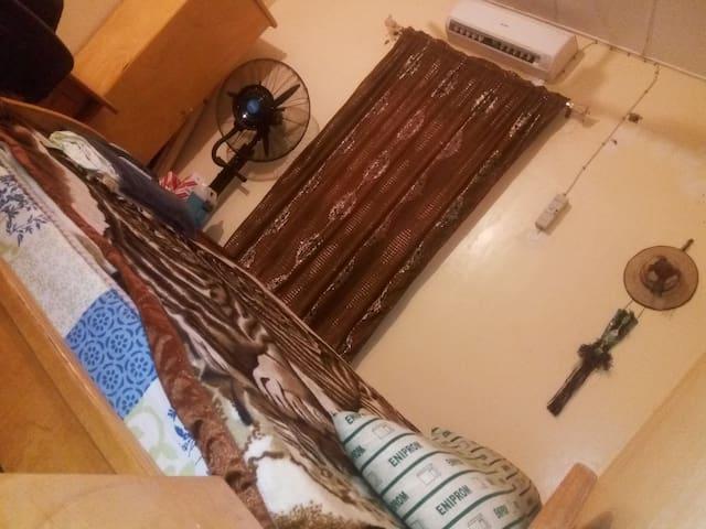 Chambre indépendante typique touareg du Niger