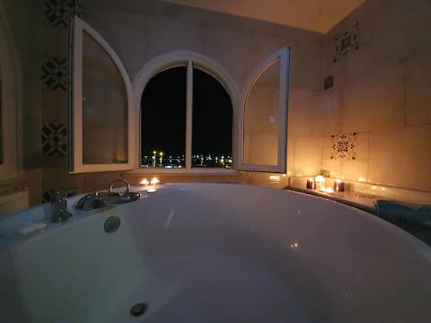 Sea view flat - includes Turkish bath in Old Town.
