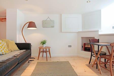 Beautiful studio flat, perfect bolt hole, Brighton - Brighton - Daire