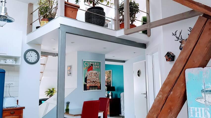 Blissful Loft Studio at Tivoli park