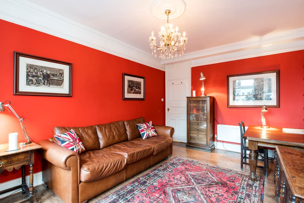 Light, airy and spacious lounge, overlooking Charlotte Street.