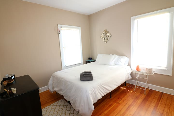 Indy Zen Den *Minutes to Downtown - Indianapolis - House