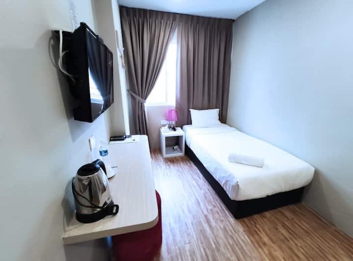 Splendid Single Room at Princess Hotel Pontian