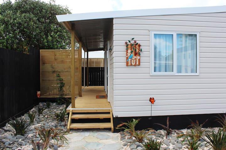 Orewa Kiwi Cabins - Tui