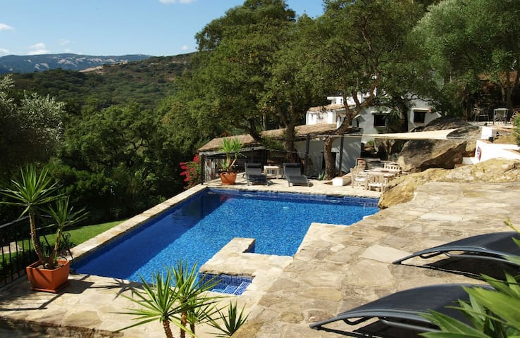 Country house in a tranquil national park setting - Jimena de la Frontera - Semesterboende