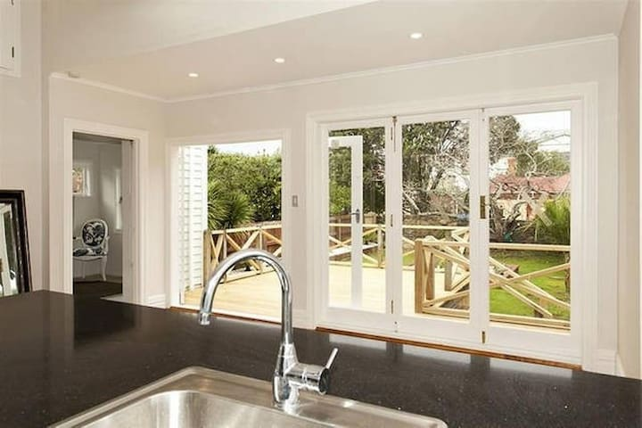 Britis Luxury Villa Mt Eden Central City  Auckland - Auckland - Villa