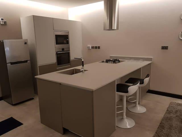 Le Mac Executive Fully Furnished Apartment 1013