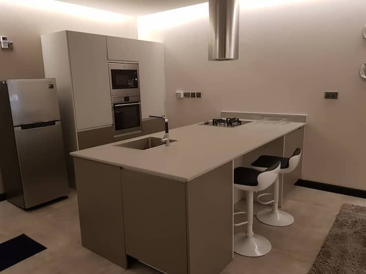 Le Mac Executive Fully Furnished Apartment 1013