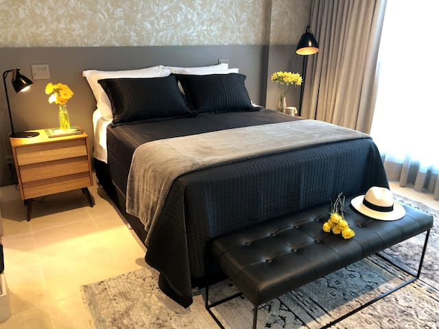 Adorable Bedroom: spacious, natural light & fresh air, but also black-out and air-conditioner (cold and hot),  amazing Simmons´ mattress and best reading lights.