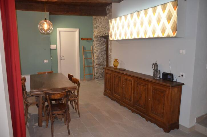 Nuova e spaziosa casa con giardino e solarium