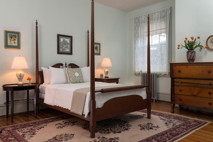 School Room #12 - The Mercersburg Inn