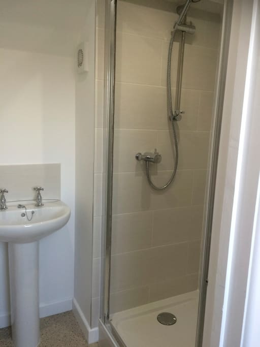 Newly fitted shower room with WC, refreshing shower!