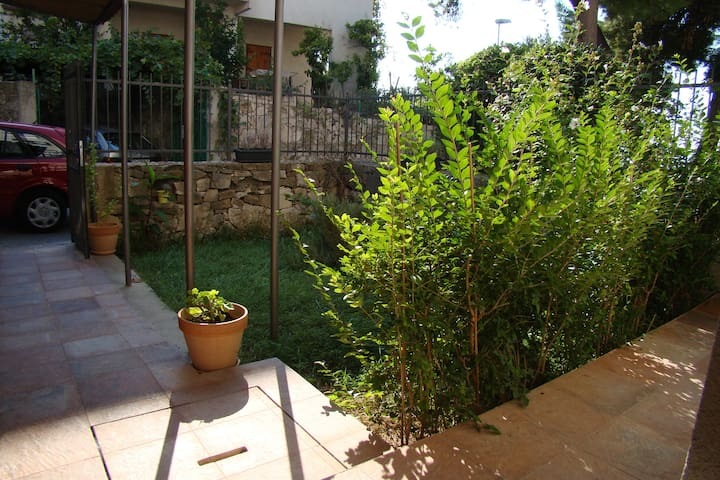 Apartment Jasmin, garden with parking