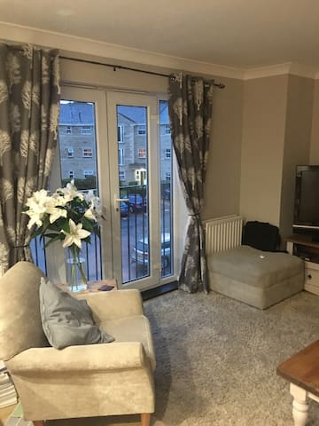 Modern apartment, village location - Gomersal