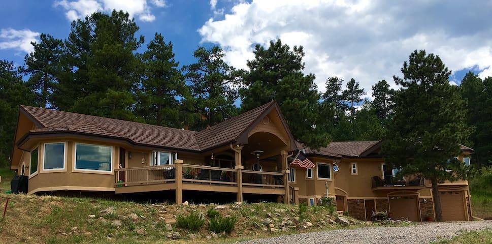 Luxurious Mountain Retreat! Close to Red Rocks! - Golden - Hus