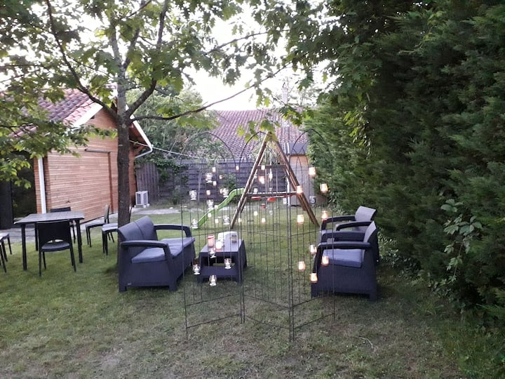 Chambre-studio meublée neuve calme proche Bordeaux