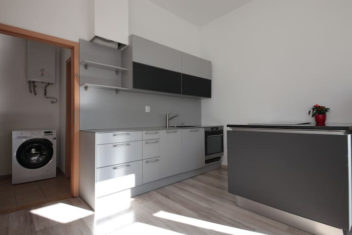 Small flat 10 minutes from city center