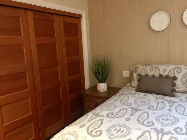 L2 Large, quiet, beautiful 2 bedroom - Near LAX