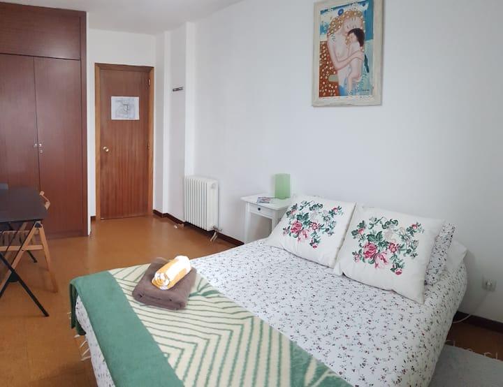 IFEMA/Airport/ BIG Cozy ROOM/Baño privado