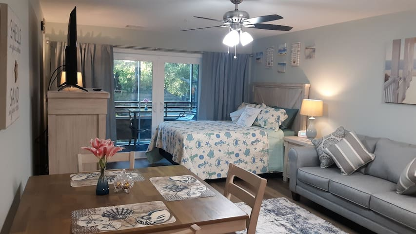 Ocean Creek Studio Condo - You and Me by the Sea