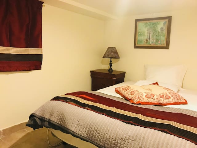 Full size bed room
