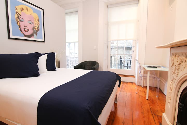 Comfy Beacon Hill Studio Great for Work Travel #7