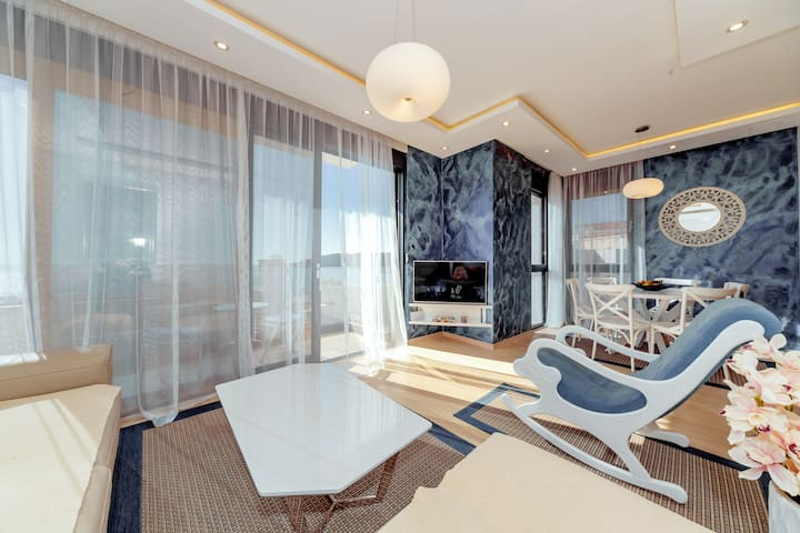 Brand new flat Lujo, 50m from the beach