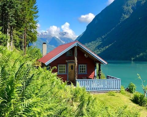 Halvardhytta - Fjærland Cabins
