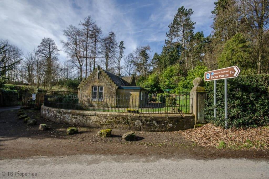 The Little Lodge - Outside
