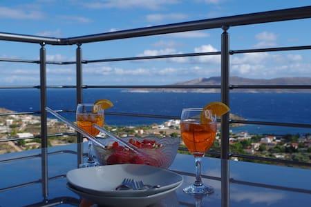 Villa Panorama mit einem atemberaubenden Ausblick - Anatoliki Attiki - Huis