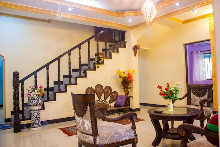 2BHK decent apartment for peaceful long/short stay - Bungalou