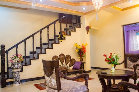 2BHK decent apartment for peaceful long/short stay - บังกะโล