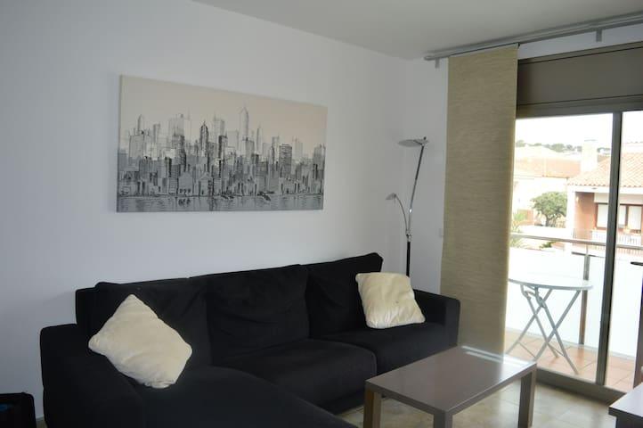 BONITO APARTAMENTO PALAFOLLS  - PALAFOLLS - Apartamento