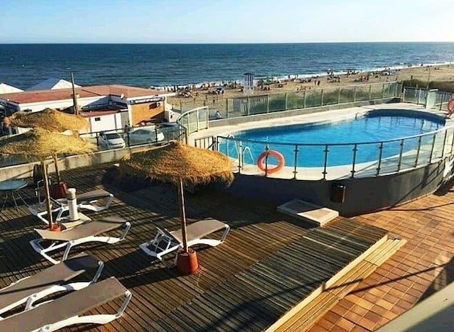Islantilla-Apartamento con piscina y parking