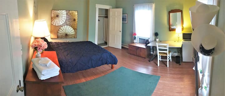 Historic Colonial in Downtown Concord, Room #1