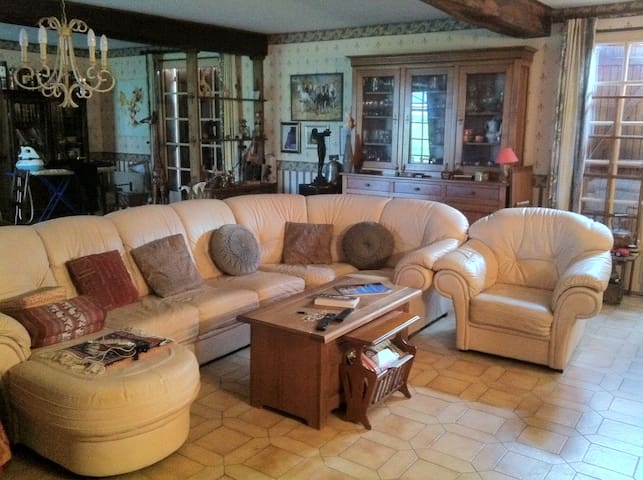 200² dont 117 Sejour, Caractéres - Ferrières-en-Bray - House
