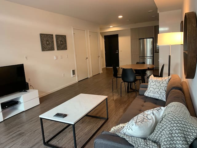 Domicile Suites at Venn on Main - 1BD 1