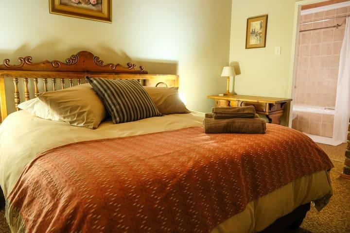 Bethel Home -A gem in Vanderbijlpark -Room 1
