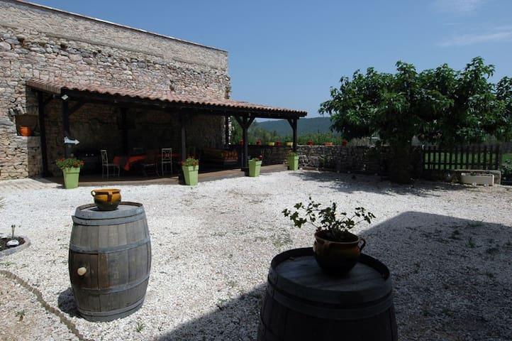 Gîte Pic saint loup, Château Boisset - Valflaunès - Castelo
