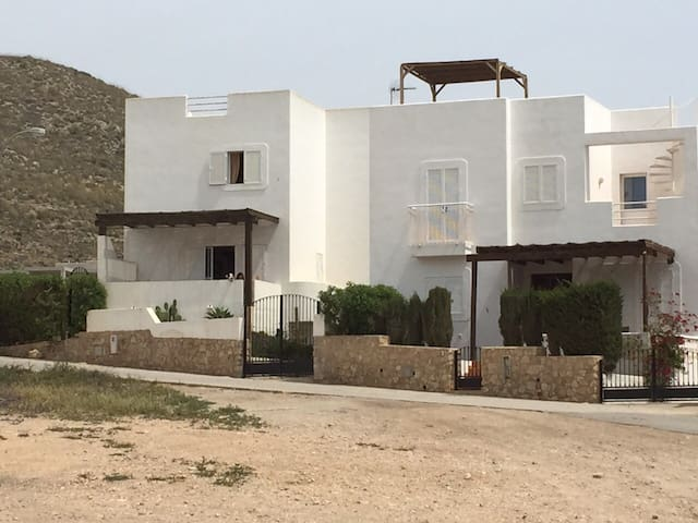 Casa Sol en Agua Amarga - Agua Amarga - Huis